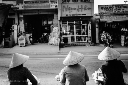 Women in the market of Cu Jut. Vietnam, March 2014.